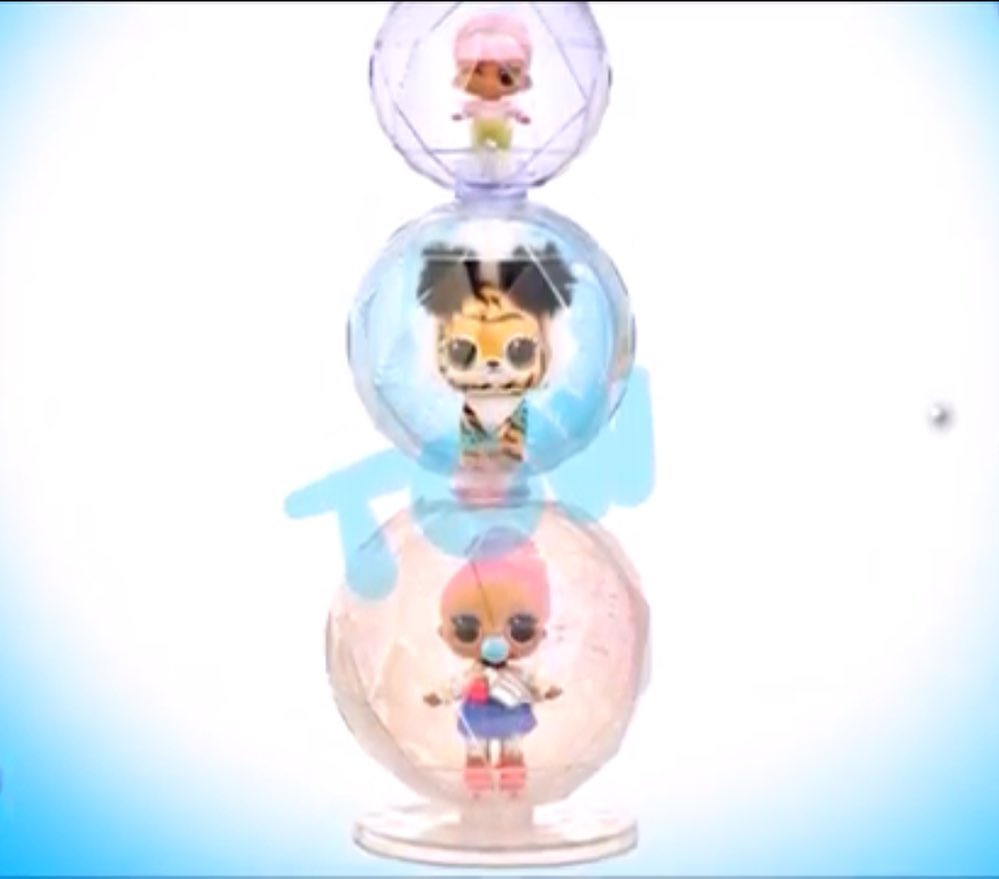 Special ball for storage of dolls.