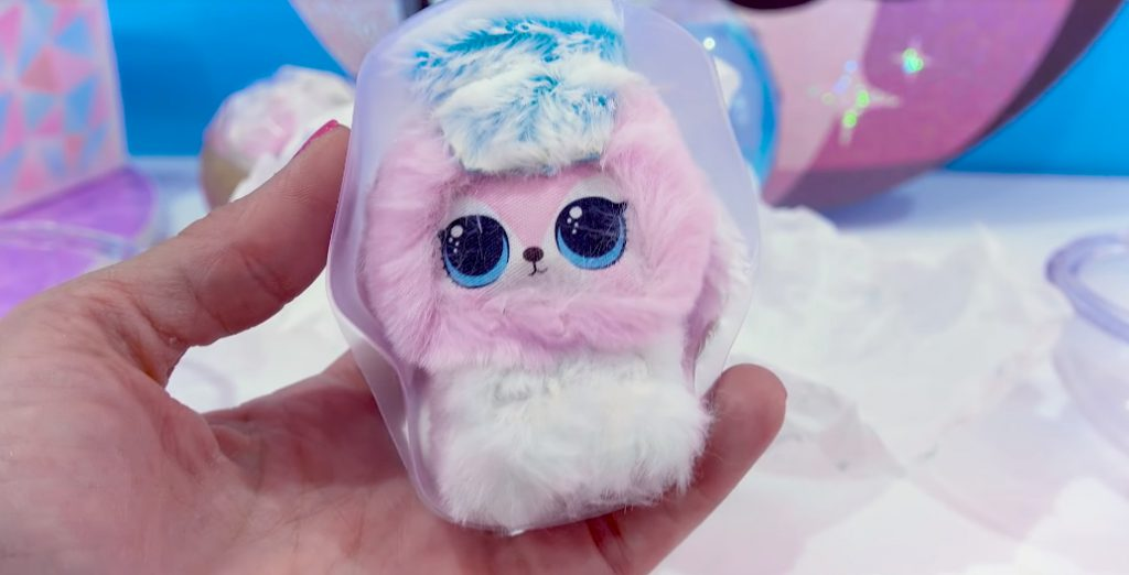 Winter Disco NEW LOL Surprise Fuzzy Pets Blind Bags 005
