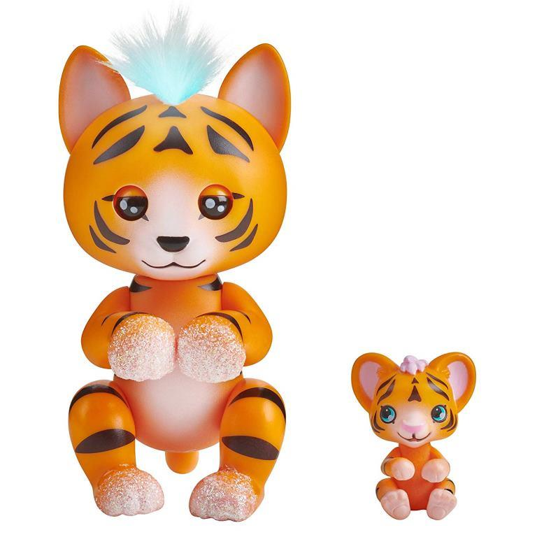 wowwee fingerlings tiger benny cub kali
